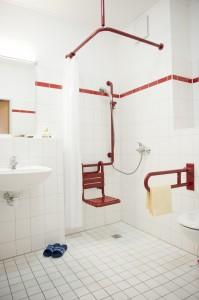 Jedes Zimmer verfügt über ein eigenes Bad